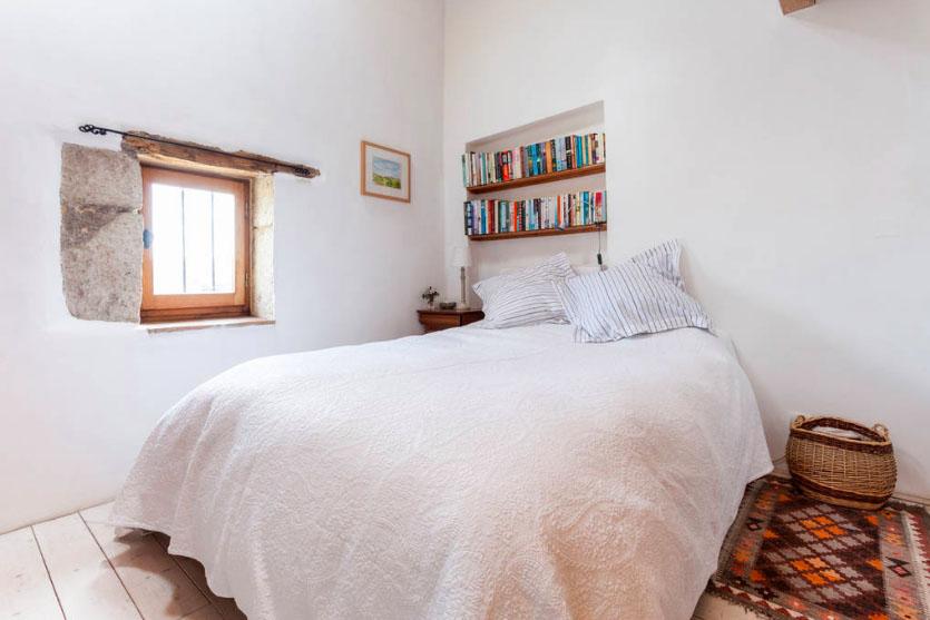 chambre lit double gite mas de villetelle