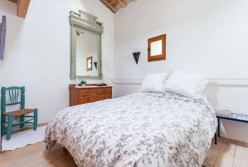 chambre lit double gite mas de Villetelle Gignac